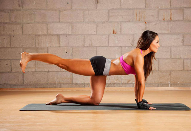 Trish-Stratus-gostosa-aula-de-yoga1