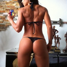 Michelle Lewin - modelo fitness