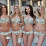 mulheres de lingerie de dinheiro