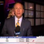 Repórter recebe uma lambida ao vivo