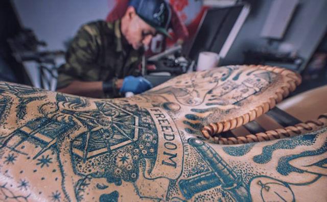 Tatuagens e motos agora juntos