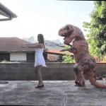 Ensinando um T-REX a dançar macarena