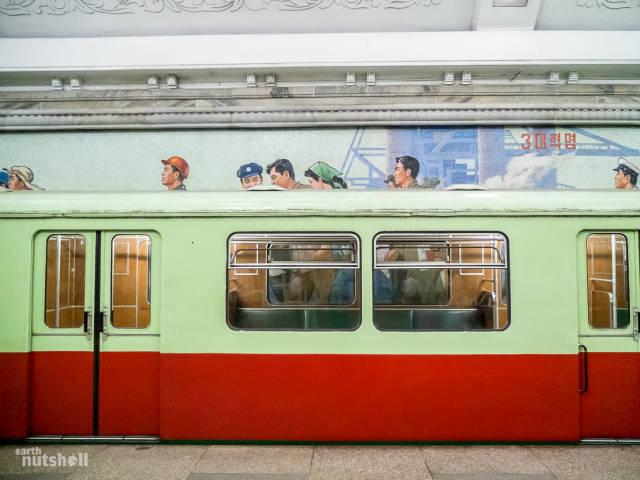 coreio-do-norte-abre-suas-estacoes-de-metro-para-estrangeiros47