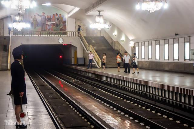 coreio-do-norte-abre-suas-estacoes-de-metro-para-estrangeiros52