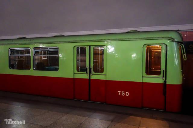 coreio-do-norte-abre-suas-estacoes-de-metro-para-estrangeiros7