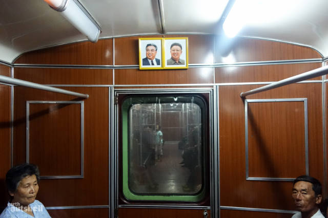 coreio-do-norte-abre-suas-estacoes-de-metro-para-estrangeiros8