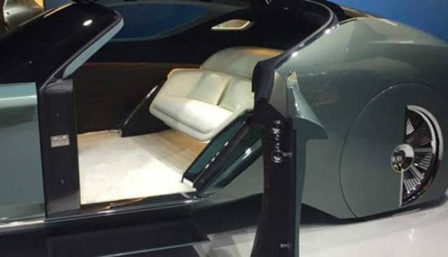 versao-futuristica-do-rolls-royce-que-dirige-sem-volante11