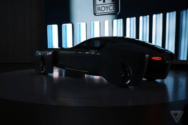 versao-futuristica-do-rolls-royce-que-dirige-sem-volante25