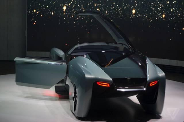 versao-futuristica-do-rolls-royce-que-dirige-sem-volante28