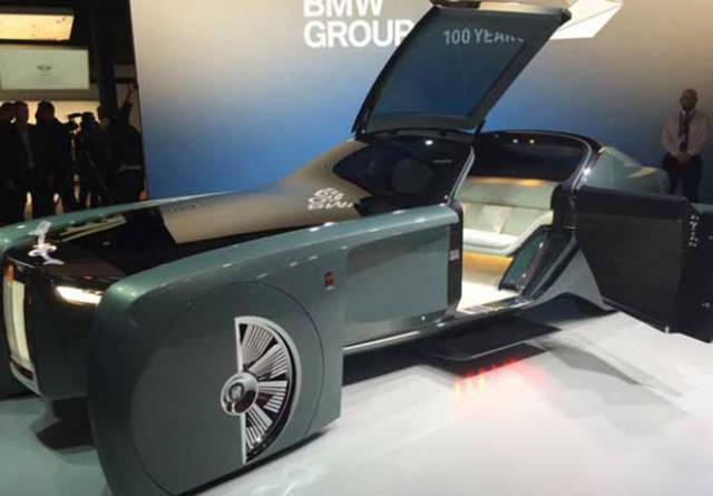 versao-futuristica-do-rolls-royce-que-dirige-sem-volante3