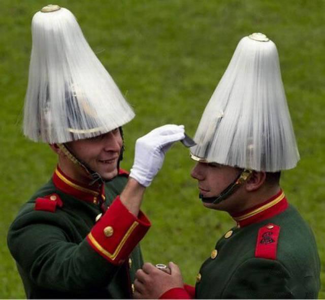 militares-se-divertindo-em-servico8