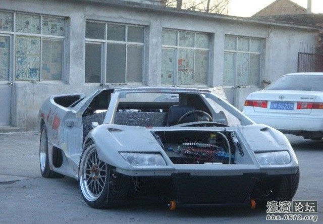 chinese_engineers_build_their_very_own_dream_lamborghini_diablo_from_scratch_640_23