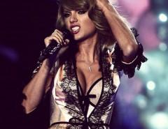 Taylor Swift de Babydoll no Victoria's Secret fashion show em Londres