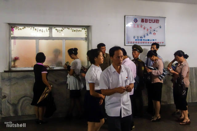 coreio-do-norte-abre-suas-estacoes-de-metro-para-estrangeiros10