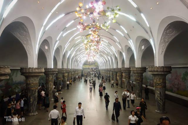 coreio-do-norte-abre-suas-estacoes-de-metro-para-estrangeiros11