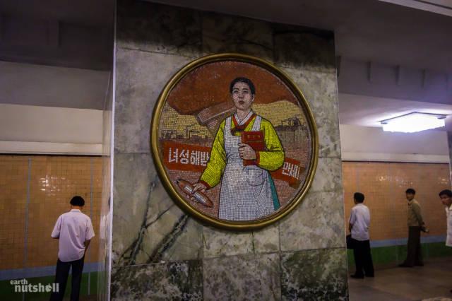 coreio-do-norte-abre-suas-estacoes-de-metro-para-estrangeiros13