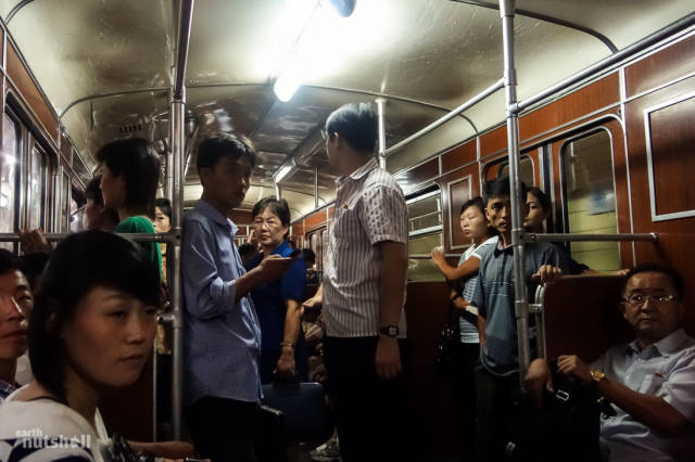 coreio-do-norte-abre-suas-estacoes-de-metro-para-estrangeiros18