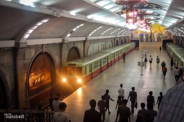 coreio-do-norte-abre-suas-estacoes-de-metro-para-estrangeiros3
