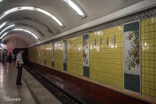 coreio-do-norte-abre-suas-estacoes-de-metro-para-estrangeiros46