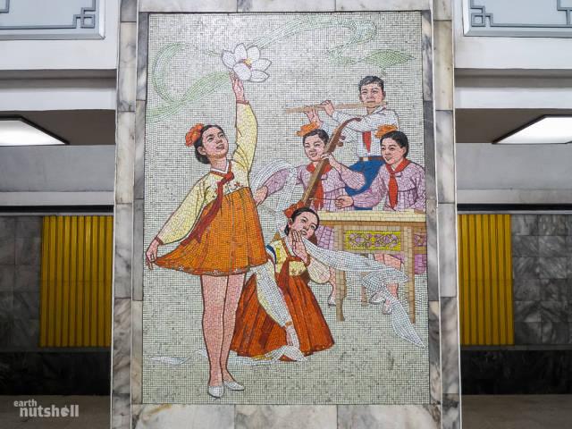 coreio-do-norte-abre-suas-estacoes-de-metro-para-estrangeiros64