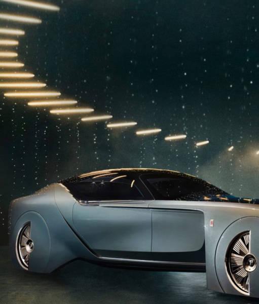 versao-futuristica-do-rolls-royce-que-dirige-sem-volante14