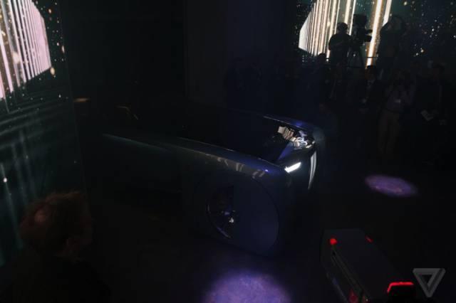 versao-futuristica-do-rolls-royce-que-dirige-sem-volante22