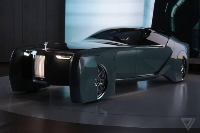 versao-futuristica-do-rolls-royce-que-dirige-sem-volante23