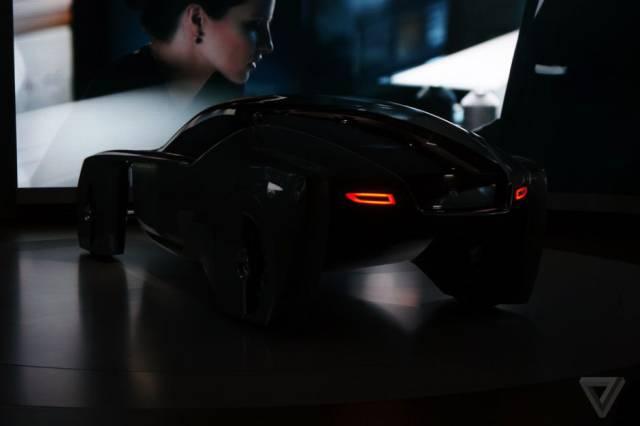 versao-futuristica-do-rolls-royce-que-dirige-sem-volante24