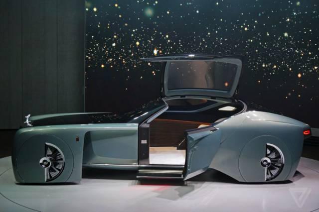 versao-futuristica-do-rolls-royce-que-dirige-sem-volante27